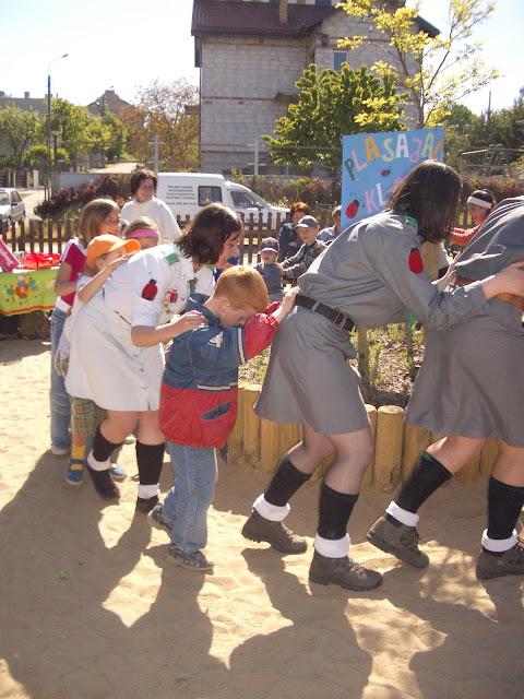 Otwarcie placu zabaw ul. Druskiennicka - Kopia%2B2004-06-02%2B051.JPG