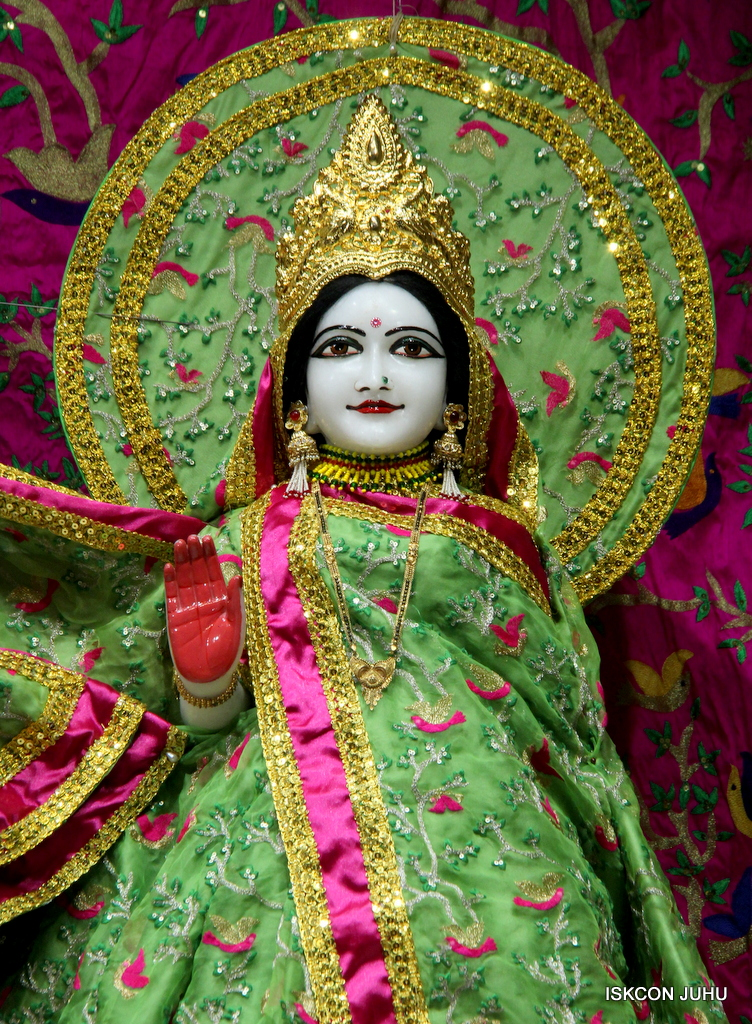 ISKCON Juhu Mangal Deity Darshan on 23rd Oct 2016 (6)