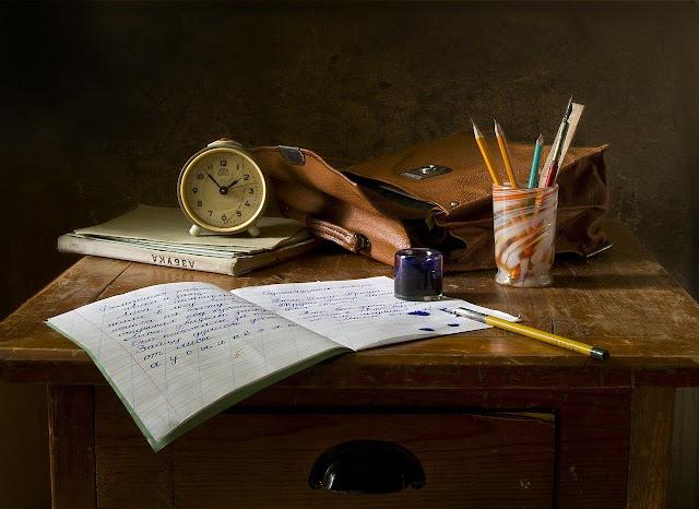 Teks Deskripsi: Pengertian, Ciri-Ciri, dan Contoh Artikel