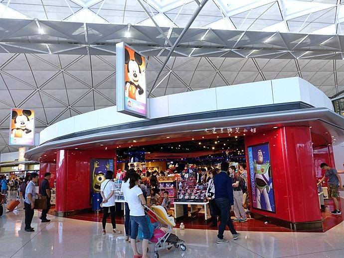 22 香港機場 迪士尼奇妙店 買達菲熊免進迪士尼樂園