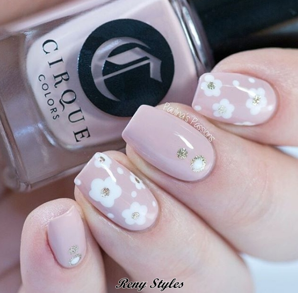 The most beautiful Floral Nails Designs 2017