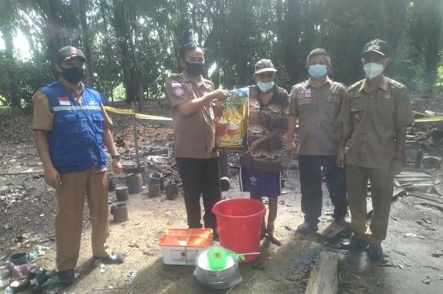 Korban Kebakaran di Henda dapat Bantuan dari Pemkab Pulang Pisau