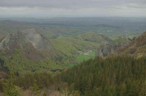 La roche Tuilière et la roche Sanadoire