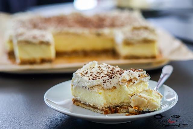 ciasto z masą budyniową,ciasto na ciastkach,ciasto na herbatnikach,ciasto bez pieczenia,ciasto z bitą śmietaną,ciasto z masą krówkową,ciasta i desery,