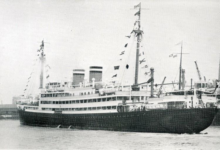 El ORINOCO saliendo de Southampton en su viaje inaugural. De la revista The Motor Ship.jpg