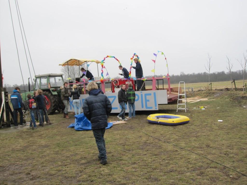 Welpen - Knutselen carnaval - IMG_5360.JPG