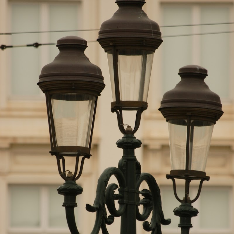 Brussels_043 Place Royale Lamps.jpg