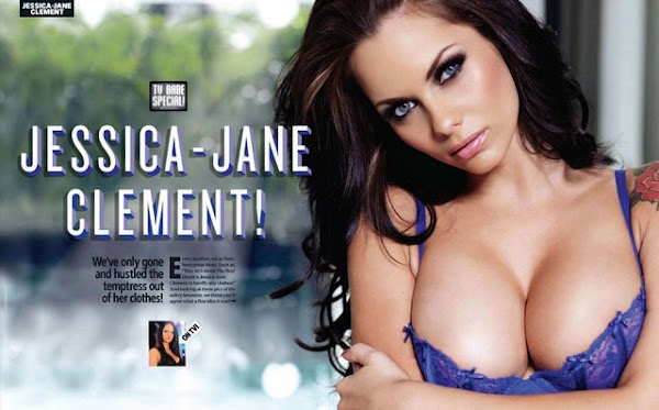 Jessica-Jane Clement puts on another sexy peep show:celebrities,sex,lingerie,cleavage0