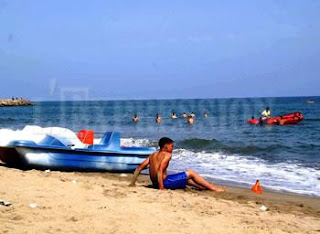 Les citoyens continuent d'affluer sur les plages: L'été indien dans toute sa splendeur