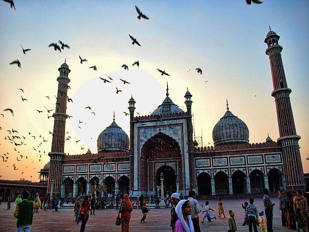 numah atau Masjid Jama memperoleh sebuah posisi di salah satu masjid terbesar di India 9 Fakta Menarik Tentang Masjid Jama, Salah satu Masjid terbesar di India