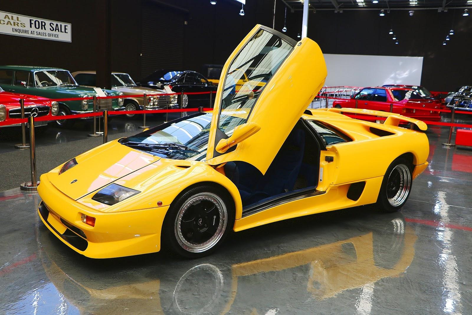 1999 Lamborghini Diablo (06).jpg