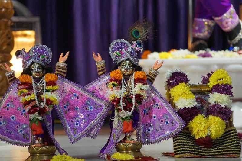 ISKCON Noida Deity Darshan 19 Dec 2015 (11)