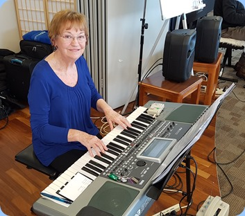Our Events Manager, Diane Lyons, playing her Korg Pa900 with bursts of vocal for some sing-along medleys.