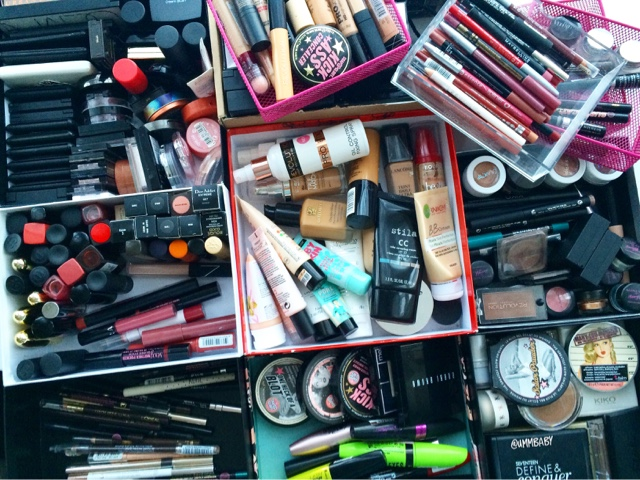 5 step guide to help you declutter your makeup collection