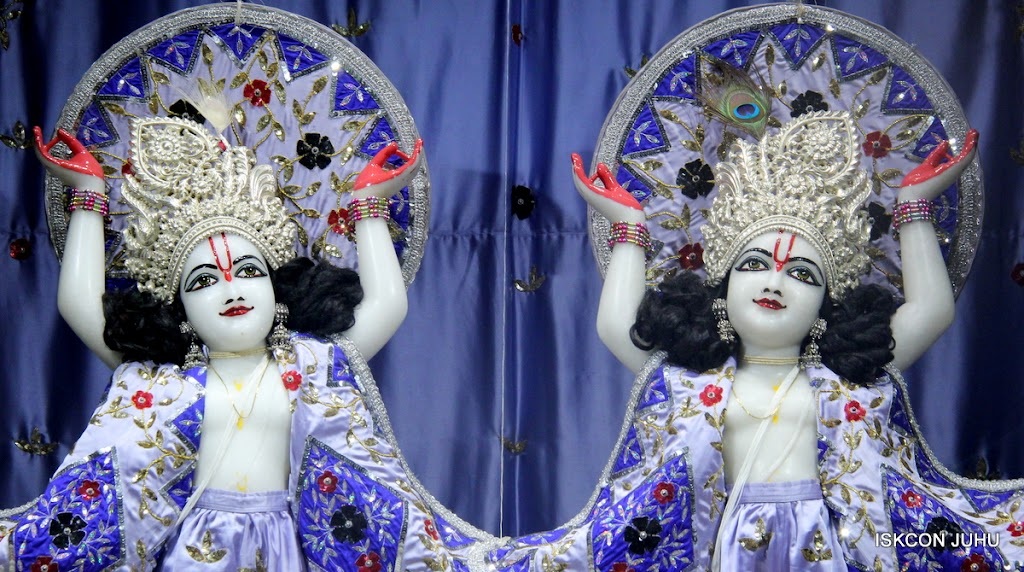 ISKCON Juhu Mangal Deity Darshan on 4th Aug 2016 (35)
