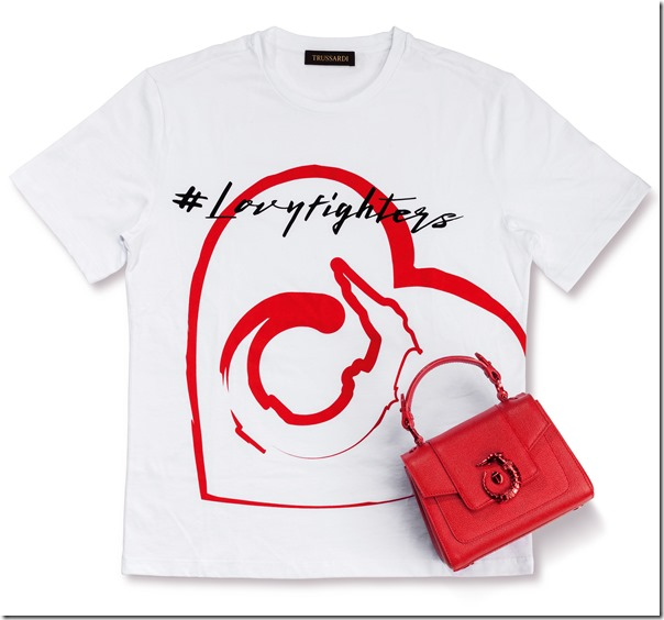 #LOVYFIGHTERS T-Shirt e Trussardi Mini LOVY Bag in crespo