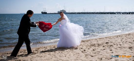 ślub Kasi i Maćka - serce przy molo