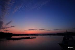 2011/10/17の夕景です。秋模様の雲と抜けた空の蒼色が気持ちいい日でした。