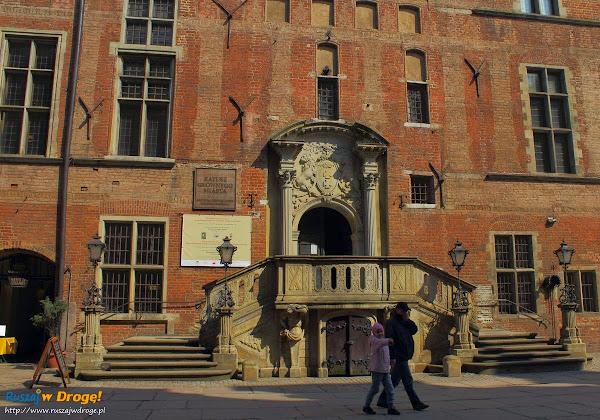 Ratusz Głównego Miasta Gdańska - wejście do muzeum