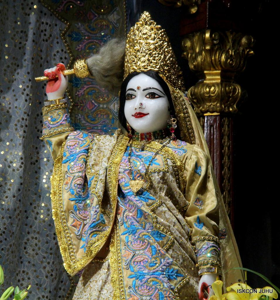 ISKCON Juhu Mangal Deity Darshan on 24th Oct 2016 (28)
