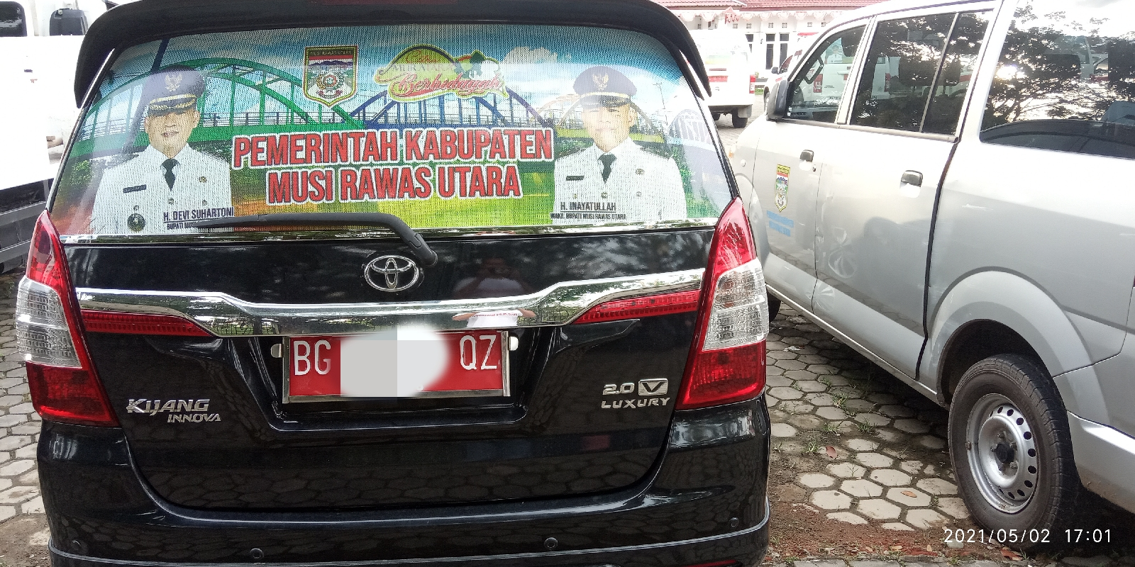 Contoh kendaraan Dinas yang telah terpasang stiker. (Poto/ari)