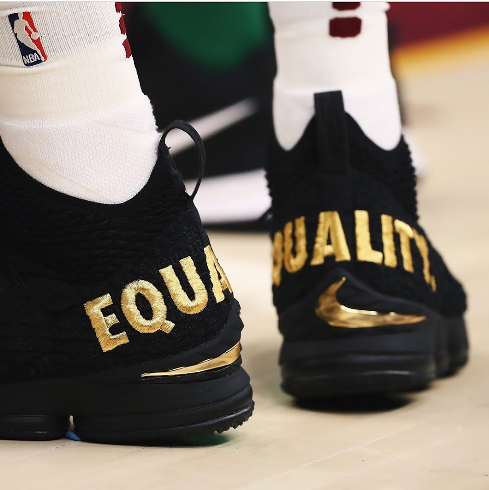 buy online 2a2bd 4080e ... LeBron James Sends Powerful Message in Nike LeBron 15 ...