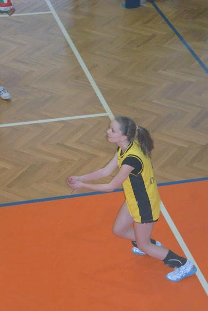 Zawody siatkarskie dziewczat 1 marca 2011 - DSC09288_1.JPG