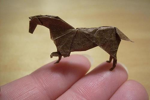 Anja-Markiewic-Nano-Origami-Paper-Figures-7