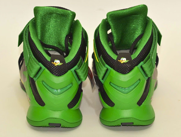 The Oregon Ducks Fans Also Get the LeBron Soldier 9 they Deserve