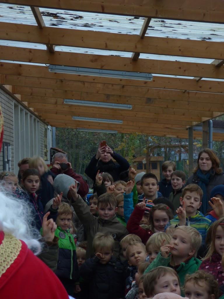 Sinterklaas op bezoek - P1060460.JPG