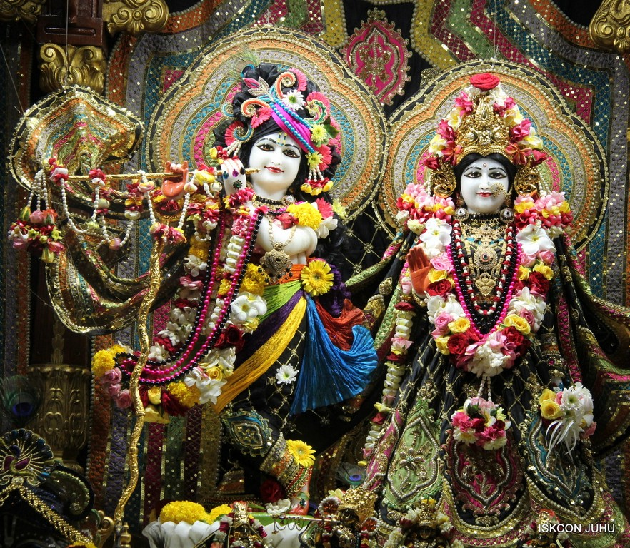 ISKCON Juhu Sringar Deity Darshan 09 April 2016 (12)