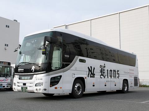 西鉄高速バス「ライオンズエクスプレス」 8546 西鉄高速バス福岡支社にて(H27.04.17撮影)