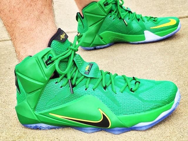huge discount 7cbb9 5a01d PE Spotlight Nike LeBron 12 Oregon Ducks Away PE ...