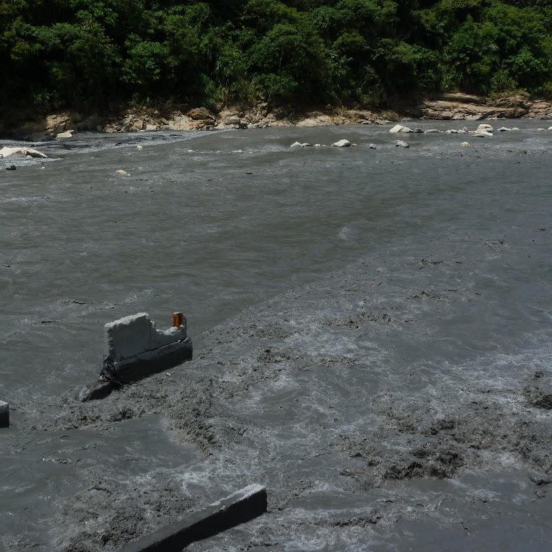 Puli  en passant , entre autres, par les villages de l ethnie Bunum de Loloko et Dili. J 10 - P1160833.JPG