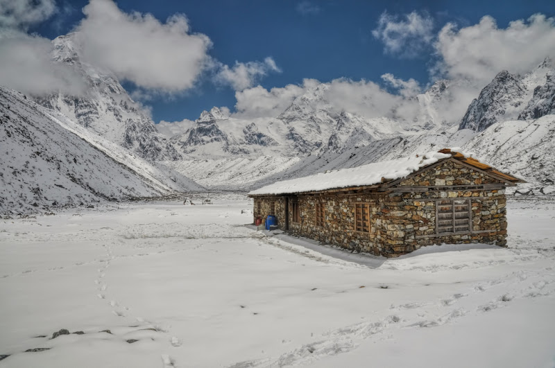 Kanchenjunga-Lodge in Himalayas Mountain
