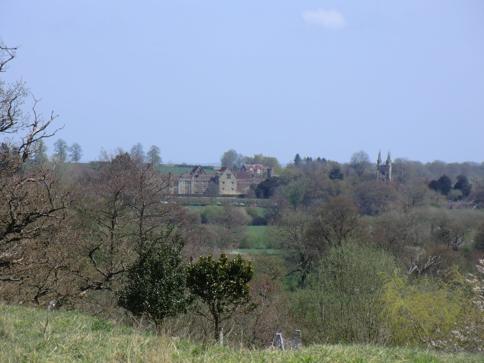 CIMG6332 Distant view of Penshurst Place from Salmans Manor