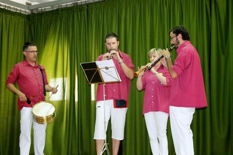 Audició Escola de Gralles i Tabals dels Castellers de Lleida a Alfés  22-06-14 - IMG_2385.JPG