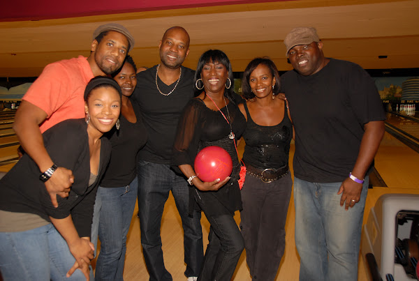 KiKi Shepards 8th Annual Celebrity Bowling Challenge (2011) - DSC_0757.JPG