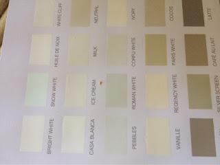 Een gedeelte met wittinten van de Autentico kleurkaart