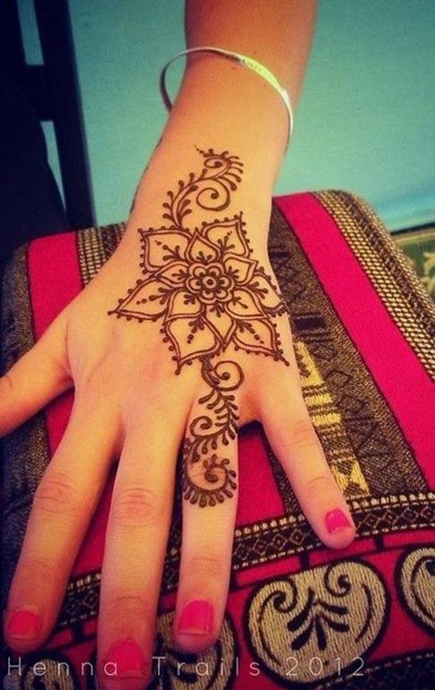 flor_tatuagem_de_henna