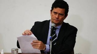Moro diz que foi alvo de ataques do 'gabinete do ódio' e cita ligação de Carlos Bolsonaro