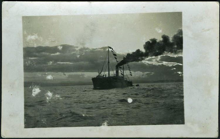 R. 5825 D. VC2. 1045. El vapor PEÑA CABARGA en la Bahía de Santander, 1899. Colección Víctor del campo Cruz. Centro de Documentación de la Imagen de Santander. CDIS. Ayuntamiento de Santander.tif