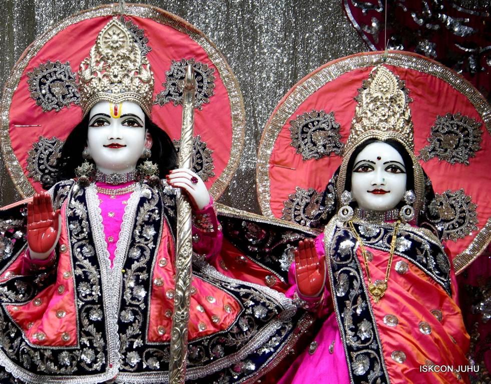 ISKCON Juhu Mangla Deity Darshan 18 Dec 2015 (5)