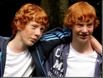 790px-Redhead_twins