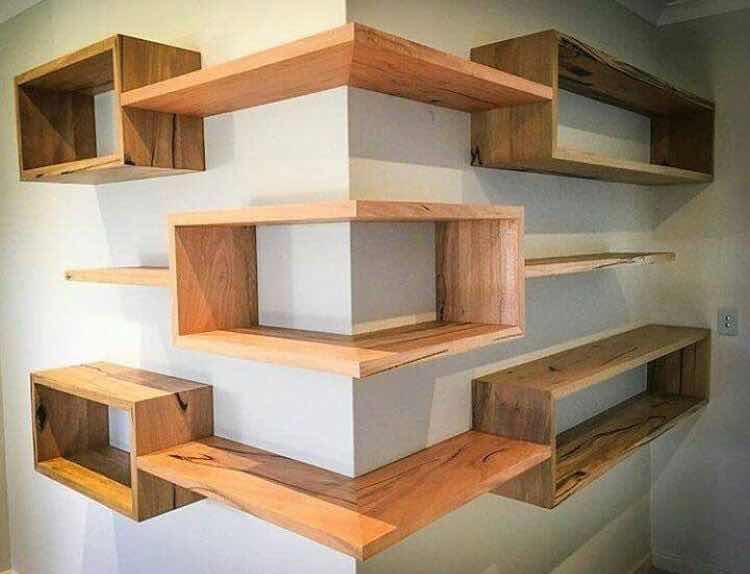 Dalam konsep desain interior, dinding lebih dari sekedar memiliki fungsi pembatas.  Lebih dari itu, dimata desainer kreatif, dinding bisa disulap memiliki fungsi lebih dan berestetika tinggi lewat karya floating shelves.