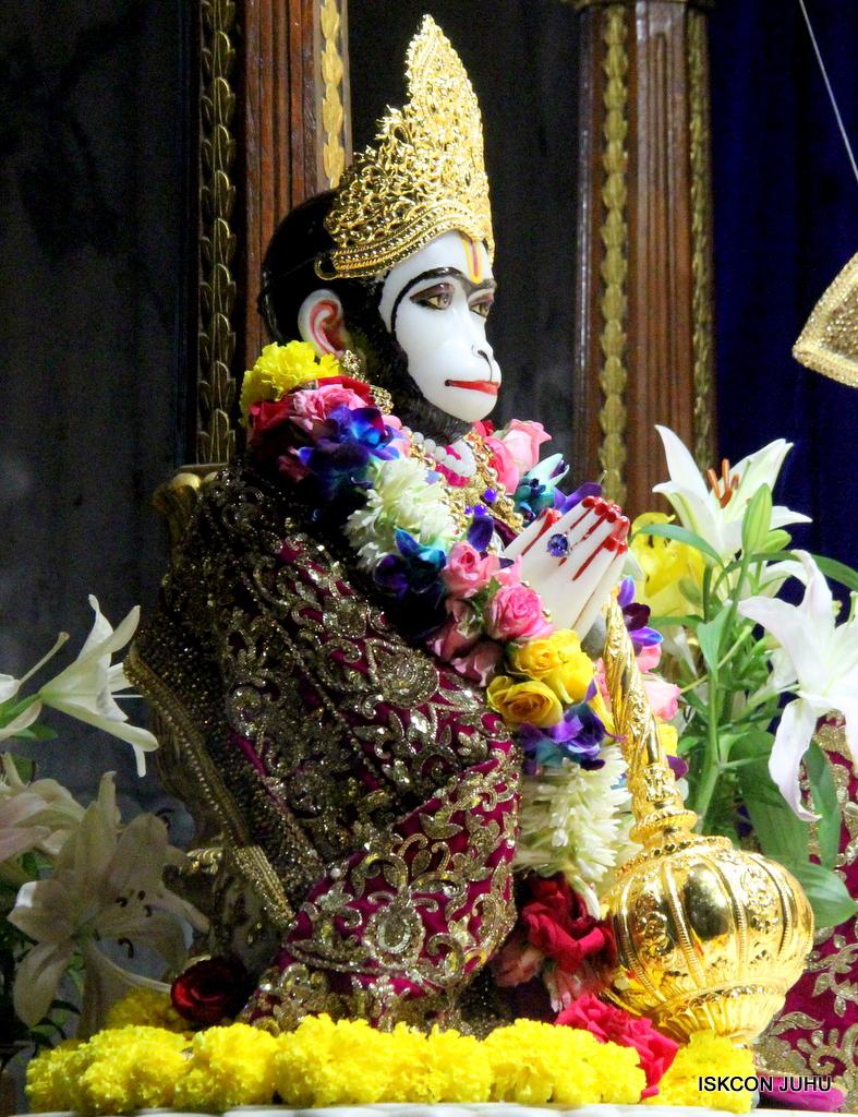 ISKCON Juhu Sringar Deity Darshan on 24th Oct 2016 (47)
