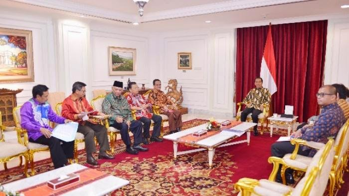Gubernur Kalimantan Temui Jokowi