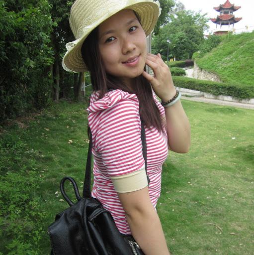 Yujue Wang Photo 2