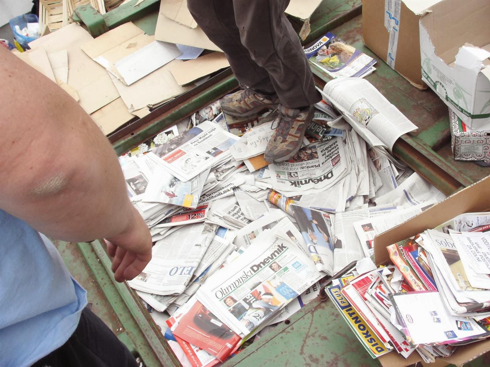 Zbiranje papirja, Ilirska Bistrica 2006 - KIF_8484.JPG