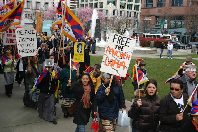Global Protest in Vancouver BC/photo by Crazy Yak - IMG_0145.JPG